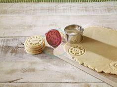 sk - Pečiatky na koláčiky - Pečiatka na koláčiky - Home made Galletas Cookies, Milk Cookies, Baking Recipes, Cookie Recipes, Baking Ideas, Baking Soda Dark Circles, Biscuits, Baking Quotes, Baking Business