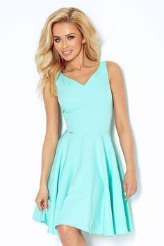 Miętowa rozkloszowana sukienka do kolan