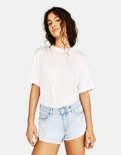 Jeansowe spodenki z koronką