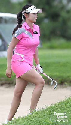 Girl Golf Outfit, Cute Golf Outfit, Pretty Asian Girl, Beautiful Asian Women, Girls Golf, Ladies Golf, Lpga Golf, Little Black Skirts, Sexy Golf