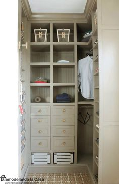 Remodelando la Casa: DIY - Small Closet Makeover - The Reveal. This closet is everything! Teen Boy Bedding, Teen Boy Rooms, Kid Closet, Closet Bedroom, Corner Closet, Master Closet, Master Suite, Laundry Room Storage, Closet Storage
