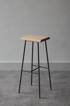 Metal and wood bar stools chairs Ideas Bar Stool Chairs, Wood Bar Stools, Room Chairs, Swivel Chair, Industrial Bar Stools, Industrial Furniture, Steel Furniture, Modern Furniture, Rooms Furniture