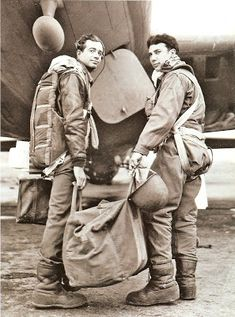 Air Force Bomber, Military History, Us Army, Military Aircraft, Ww2, World War, Pop Culture, Aviation, Stars