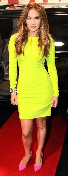 Who made Jennifer Lopez's long sleeve neon yellow dress, jewelry, and hot pink pumps that she wore in Sao Paulo on March 26, 2012?
