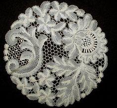 Antique Vintage Victorian 1900s Needlelace Handmade Table Doily Round
