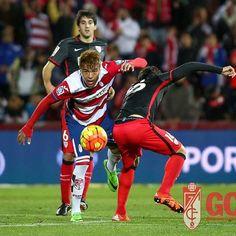 No solo es venezolano es de mi pueblo. #Elvigia  Peñaranda le da tres puntos de oro al Granada en el Ciutat El delantero venezolano abrió el marcador y anotó también el de la victoria en el 89. Simao hizo el gol del Levante. El Levante se queda en descenso.