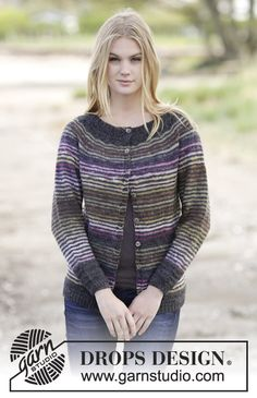 """Knitted DROPS fitted jacket with stripes, lace pattern, raglan and round yoke in """"Delight"""" and """"Alpaca"""". Size: S - XXXL."""