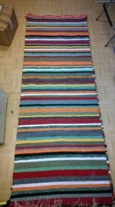 Elinan Erikoiset - Vuodatus.net Tear, Woven Rug, Loom, Beach Mat, Hand Weaving, Diy And Crafts, Area Rugs, Interior Decorating, Outdoor Blanket