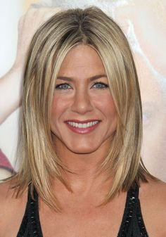 Color and Razor Face Frame Jennifer Aniston Long Bob Hairstyles Inspired Jennifer Aniston Long Bob, Jenifer Aniston, Jennifer Aniston Hairstyles, Long Bob Haircuts, Long Bob Hairstyles, Haircut Long, Celebrity Hairstyles, Bride Hairstyles, Pretty Hairstyles
