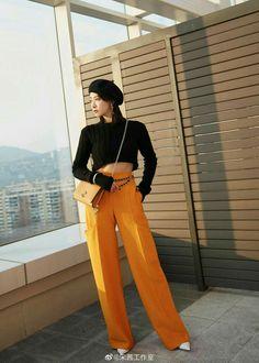 Kpop Fashion, Asian Fashion, Song Qian, Victoria Song, Chinese Actress, Sunnies, Ideias Fashion, Capri Pants, Actresses
