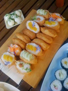 Alessandra Zecchini: Vegan Sushi and onigiri (rice balls) I think Inari Packets are need to become a staple in my pantry