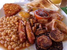 A full English breakfast © Jrv73 on Wikipedia free to public domain.