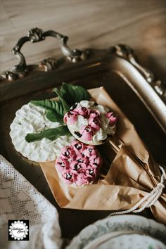 "Valentines Cookie Bouquets   ""Lovely Liclac"" #sugarcookies #decoratedcookies #royalicing #deliciousdecorcakes Cookie Bouquet, Valentine Cookies, Royal Icing, Cookie Decorating, Sugar Cookies, Camembert Cheese, Baking, Cake, Food"
