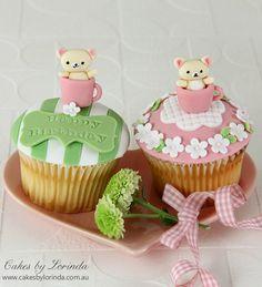 Pretty Cupcakes, Beautiful Cupcakes, Gorgeous Cakes, Yummy Cupcakes, Amazing Cakes, Green Cupcakes, Cupcake Bakery, Cupcake Cookies, Cupcake Toppers