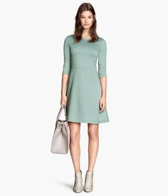 Adore the shade of green on this dress. #h&m #dresses