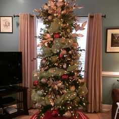 Tree I decorated in 2015 for a client
