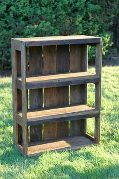 DIY recycled pallet shelves.