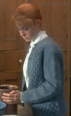 Big Knitting Trouble: Knitwear at the Movies: Anne of Green Gables Anne Shirley, Sweater Knitting Patterns, Knitting Designs, Anne Of Avonlea, Megan Follows, Gilbert Blythe, Anne Of Green Gables, Kindred Spirits, How To Purl Knit