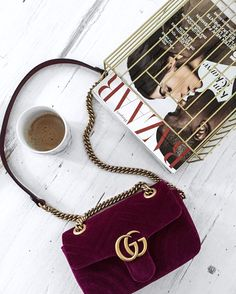 Bag | Gucci | Suede | Red | Flat lay | More on Fashionchick.nl