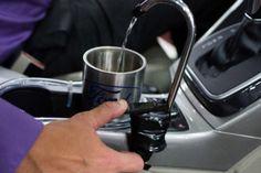 のどが乾いたら、エアコンの水を飲めばいいじゃない―飲料水を車内で生み出すフォードの「On-the-Go H2O」 - インターネットコム