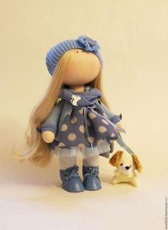 Купить или заказать Леди в голубом в интернет-магазине на Ярмарке Мастеров. Куколка ручной работы станет прекрасным подарком на любой случай или украсит ваш интерьер.Стоит самостоятельно.Можно причесывать.