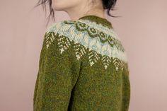 Ravelry: voolenvine's Threipmuir Fair Isle Knitting, Hand Knitting, Knit Cardigan Pattern, Nordic Sweater, Sweater Design, Knitting Designs, Knitwear, Knitting Patterns, Knit Crochet