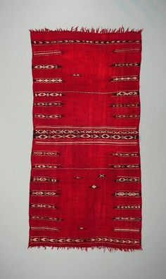 Africa | Woman's ceremonial mantle (baqnouq). |  Zlass people.  Tunisia, Kairouan region. | Wool and cotton.  | Early 20th century