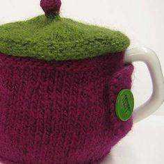 Lidded tea cozy