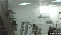 GIF: Finish Him - Fatality - www.gifsec.com