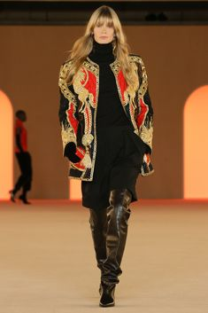 Balmain Official website and online boutique. Shop women and men's clothing, accessories, footwear, eyewear. Balmain, Fashion 2020, Fashion Show, Girl Running, Elegant Outfit, Thigh High Boots, Online Boutiques, Black Boots, Ready To Wear