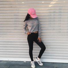 """VICTORIA MIAKI no Instagram: """"✨"""""""