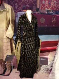 Cersi Lannister (in funeral dress)