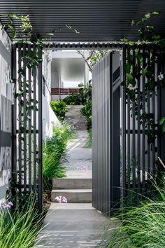 Gate House, House Entrance, Facade House, House Fence Design, Door Gate Design, Side Gates, Carport Designs, Front Courtyard, Plantation