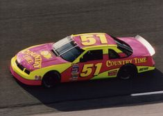 Base scheme of Neil Bonnett's 1994 car he was driving when he was fatally injured in a wreck on the Daytona 500 practice. Nascar Racers, Real Racing, Vintage Race Car, Car And Driver, Car Wallpapers, Old Trucks, Chevrolet, Chevy, Race Cars
