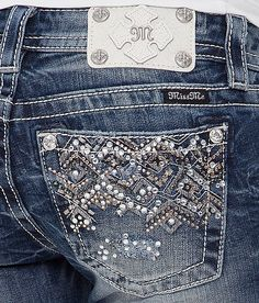 Women Jeans American Eagle **** CLICK Visit above for more options Country Outfits, Fall Outfits, Cute Outfits, Summer Outfits, Jeans American Eagle, Bling Jeans, New Fashion, Fashion Outfits, Steampunk Fashion
