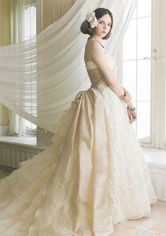 dress  ジル スチュアートのヴィンテージ感のあるドレス  http://www.jillstuart-wedding.com