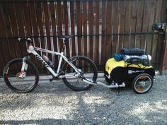 Carlos setup for touring Chile. Rio, Bike Trailers, Cargo Bike, Touring Bike, Travel Tours, Bike Stuff, Camping Survival, Sidecar, Zombie Apocalypse