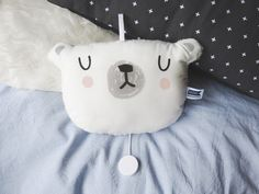Eisbären Spieluhr mit Schlaflied / polar bear music box for babys playing lullaby made by Mascha-W via DaWanda.com