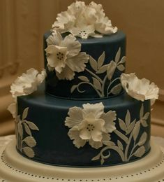 Photo: Carrie Rodman Photography; So Incredibly Pretty Wedding Cakes - Cake: Confectionery Designs