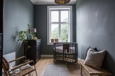 Photo by Veronika Moen. Styling by HAGEN & BRYHN. This scandinavian-style apartment is located in Oslo Norway. Nordic Living, Nordic Home, Nordic Style, Scandinavian Style, Interior Photo, Interior Styling, Interior Decorating, Oslo, Interior Inspiration