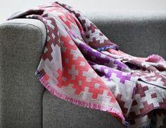 HAY - Plus 9 Counterpane - Plus 9 Tagesdecke pink Textiles, Design Online Shop, Design Shop, Cadeau Design, Hay Design, Design Ideas, Muuto, Orange Design, Pink Design