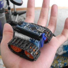 Micro robot arduino muy fácil de montar #arduino #robotica #robotics by evoldig