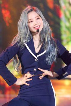 The Fact Music Awards 190424 Twice Show, Twice Once, Nayeon, Kpop Girl Groups, Korean Girl Groups, Kpop Girls, Daehyun, Twice Chaeyoung, Warner Music