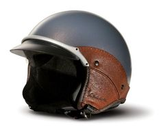 Vespa Vintage Helmet from Vespa Accessories - A SMART Boho girl protects her head while riding a moped, scooter or cafe racer. Get a cute,classy, vintage looking helmet such as this. Vintage Vespa, Motos Vintage, Vintage Bikes, Vintage Motorcycles, Scooter Helmet, Moped Scooter, Accessoires Vespa, Vespa Accessories, Bici Retro