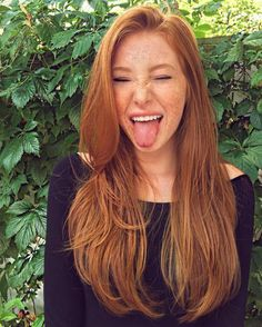 "gewelmaker: ""Madeline A Ford Emoji impersonator "" Klasse Sommersprossen Red Hair Woman, Freckles Girl, Beautiful Red Hair, Ginger Girls, Gorgeous Redhead, Redhead Girl, Pale Skin, Ginger Hair, Pink Hair"