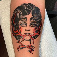 Hand Tattoos For Guys, Sleeve Tattoos For Women, Tattoo Sleeve Designs, Traditional Tattoo Forearm, Traditional Tattoo Design, Half Sleeve Tattoos Forearm, Mujeres Tattoo, Tatuaje Old School, Dibujos Tattoo