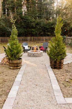 Fire Pit Area, Diy Fire Pit, Fire Pit Backyard, Fire Pit Gravel Area, Patio Ideas With Fire Pit, Fire Pit Edging, Firepit Ideas, Backyard Patio Designs, Backyard Landscaping