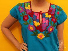 Embroidery Blouse  Handmade  Vintage  Mexican por Beeliaboutique