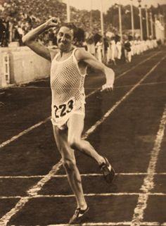 Panathenaic Stadium@Ron Hill Great Britain 2.16'.47''.8 Gold Medal European Championships, Great Britain, Athens, Marathon, Gold, Marathons, Athens Greece, Yellow