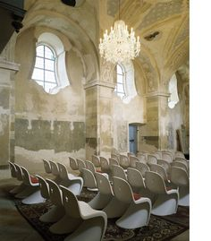 Find the best chairs inspired by Panton Chair. DIY wooden Panton chair, HIM and HER chair, Panton Chair in the church and others. Panton Chair, Vitra Chair, Church Interior, Interior And Exterior, Interior Design, Religious Architecture, Interior Architecture, Church Architecture, Eames